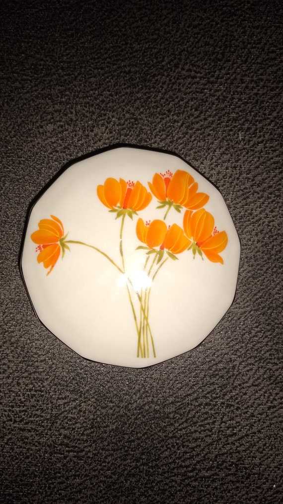 Otagiri Japan vintage flower gold trim porcelain trinket box / Orange flowers trinket box / Made in Japan / porcelain jewelry box  / estate