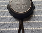 Beautifully Restored HTF Griswold 3 Cast Iron Skillet W a Heat Ring