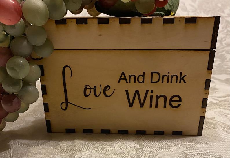Wood wine keepsake box