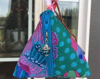 Beautiful Purple Floral Pattern Triangle Purse Zippered Notion Bag Pyramid Pouch