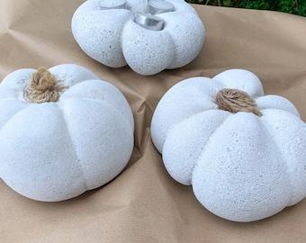 Concrete Pumpkin with jute stalk| Concrete decor| Concrete tea light holder| Autumn decor| Halloween decor| pumpkin decoration| home decor