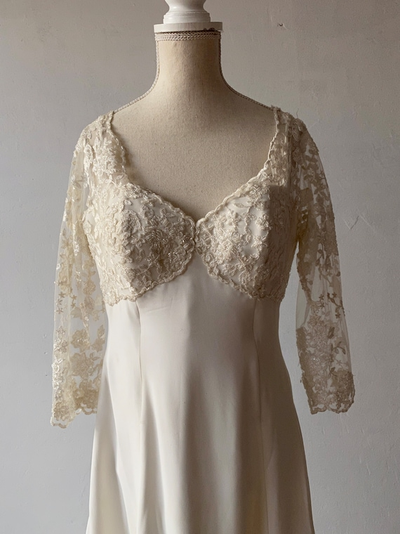 Vintage wedding dress, lace and soft corset