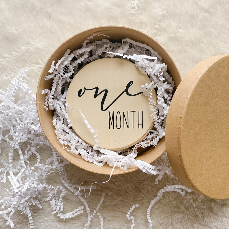 Baby Shower Gift Baby Announcement Monthly Milestone Cards Wood Baby Milestone Discs Newborn Photography Prop New Mom