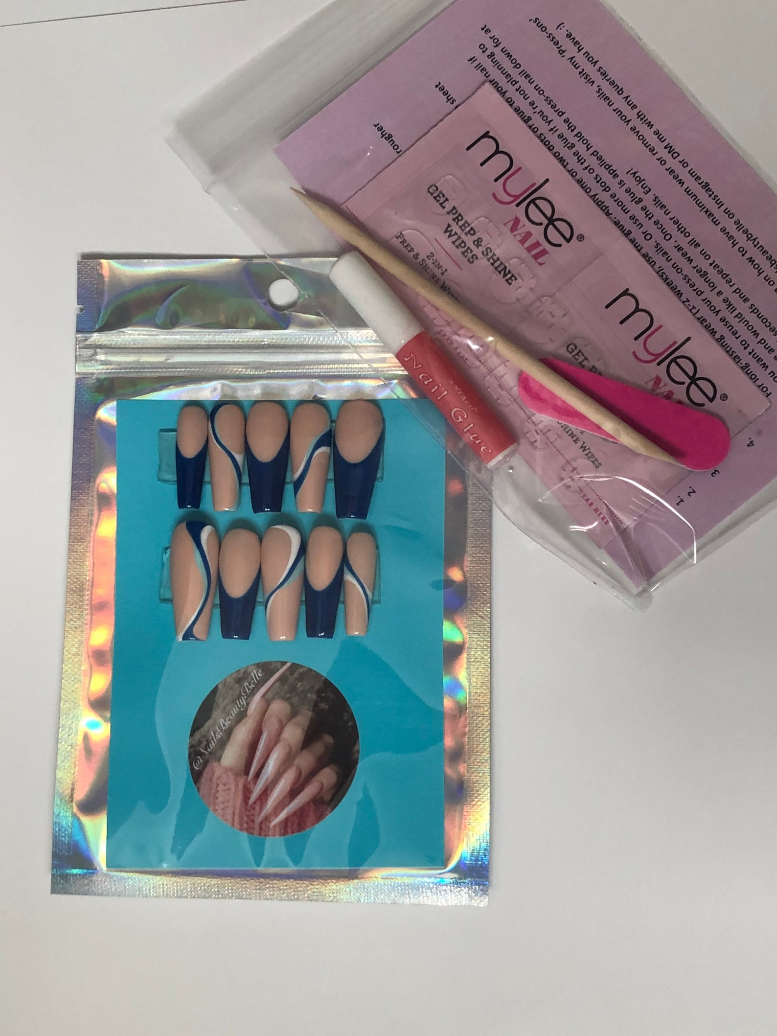 ABBY Reusable Press On Nails Pastel swirls funky abstract