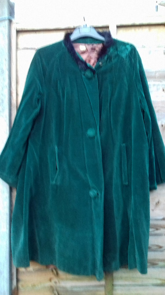 Emerald green, original velvet vintage coat, vinta
