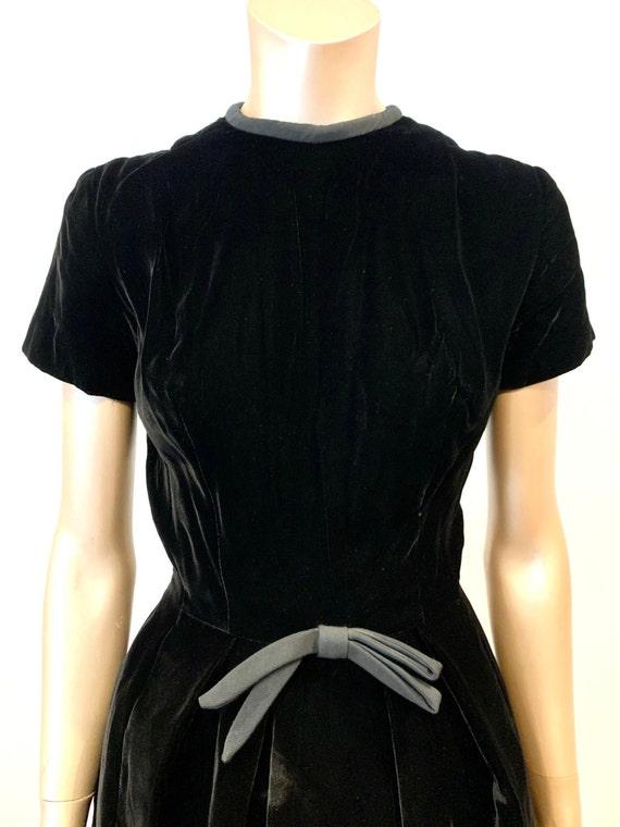 Vintage 1960s I. Magnin Velvet Dress - image 6