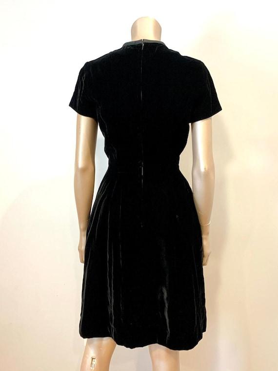 Vintage 1960s I. Magnin Velvet Dress - image 3