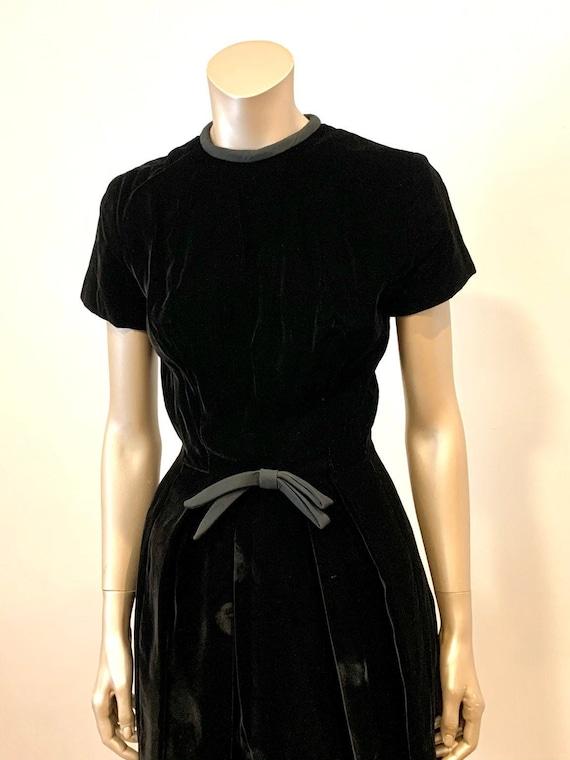Vintage 1960s I. Magnin Velvet Dress - image 4