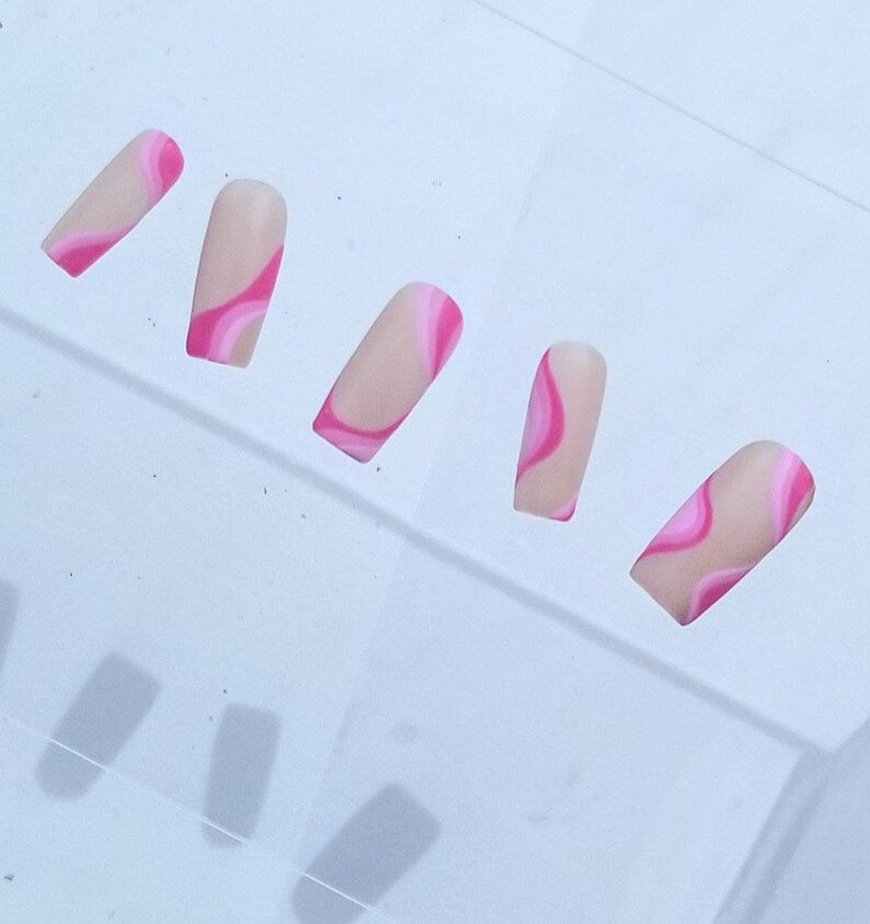 Pink Abstract Swirls //PRESS-ON nails image 0