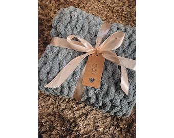 Lot of 630 g Soft Chunky wool yarn by Twinkle Handknits in Dusty Rose