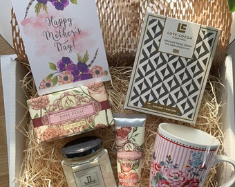 Mum's Gift Box - Mother's Day Gifts - Gifts for Mum - Good Gifts for Mum