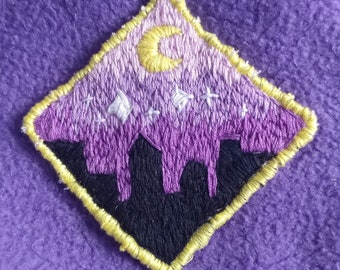 ID 8704 City Person Outline Patch Craft Building Embroidered Iron On Applique