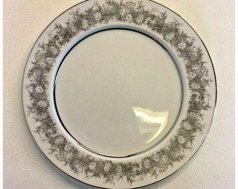 Upnorth Fine Dining Larchmont Cabin Christmas Five 7 12 Salad Dessert Plates Vintage Pine Branch Sango
