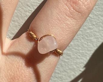 Rose quartz ring Wire wrapped gold ring Heart chakra ring Taurus birthstone Adjustable quartz ring Gemstone ring Healing crystal Golden ring