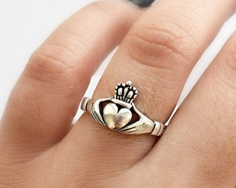 Romantic Gift for her Puzzle Ring Vintage Celtic Irish Open Hand Ring Friendship Mother Engagement ring Sterling Silver claddagh Ring