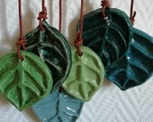 Wallpaper pendant of ceramic leaves