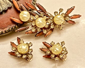 The Cattacus Brooch