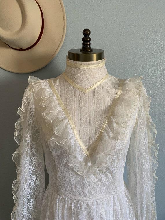 "Vintage 1970's ""Gunne Sax"" Wedding Dress - image 5"