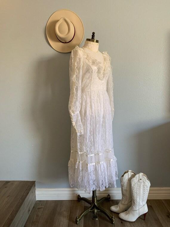 "Vintage 1970's ""Gunne Sax"" Wedding Dress - image 2"
