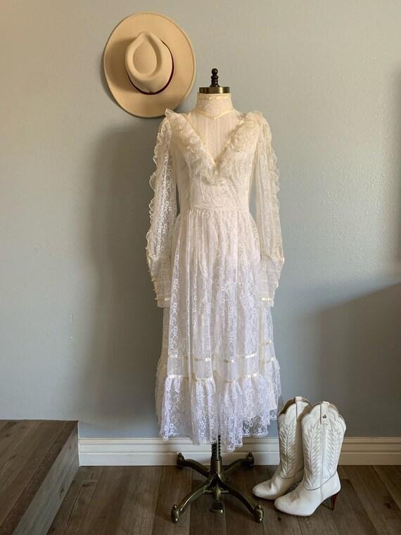 "Vintage 1970's ""Gunne Sax"" Wedding Dress - image 1"
