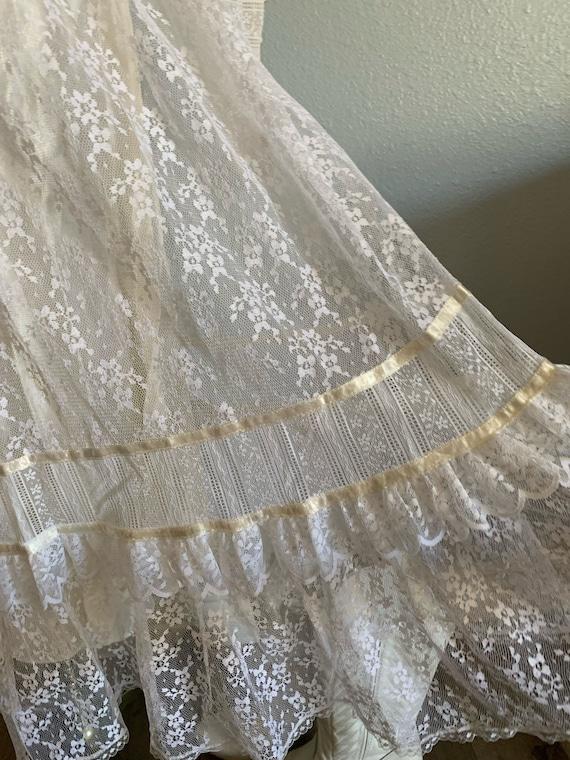 "Vintage 1970's ""Gunne Sax"" Wedding Dress - image 9"
