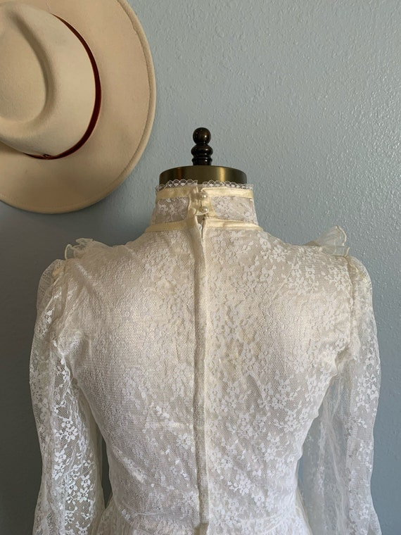 "Vintage 1970's ""Gunne Sax"" Wedding Dress - image 6"