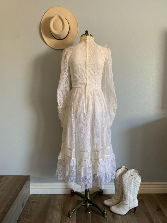 "Vintage 1970's ""Gunne Sax"" Wedding Dress - image 3"