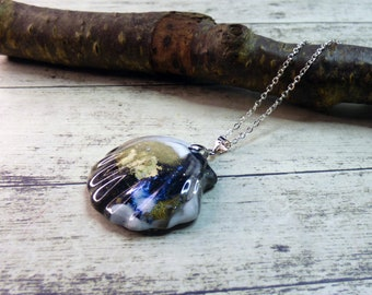 Seashell Gold Black Statement Resin Pendant Necklace, Quirky Shell Sparkle Charm Necklace, Silver tone chain