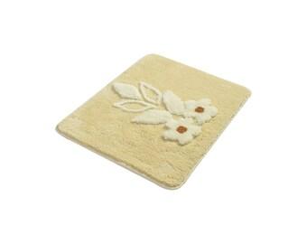 Anti Allergic Rectangle Non-Slip Bath Rug, Soft and Absorbent Decorative Bathroom Bath Rug, Flower Accents Mat Rug