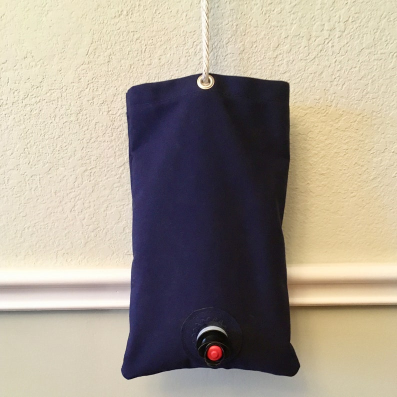 Hanging wine dispenser bag for 3L boxed-wine bags image 1