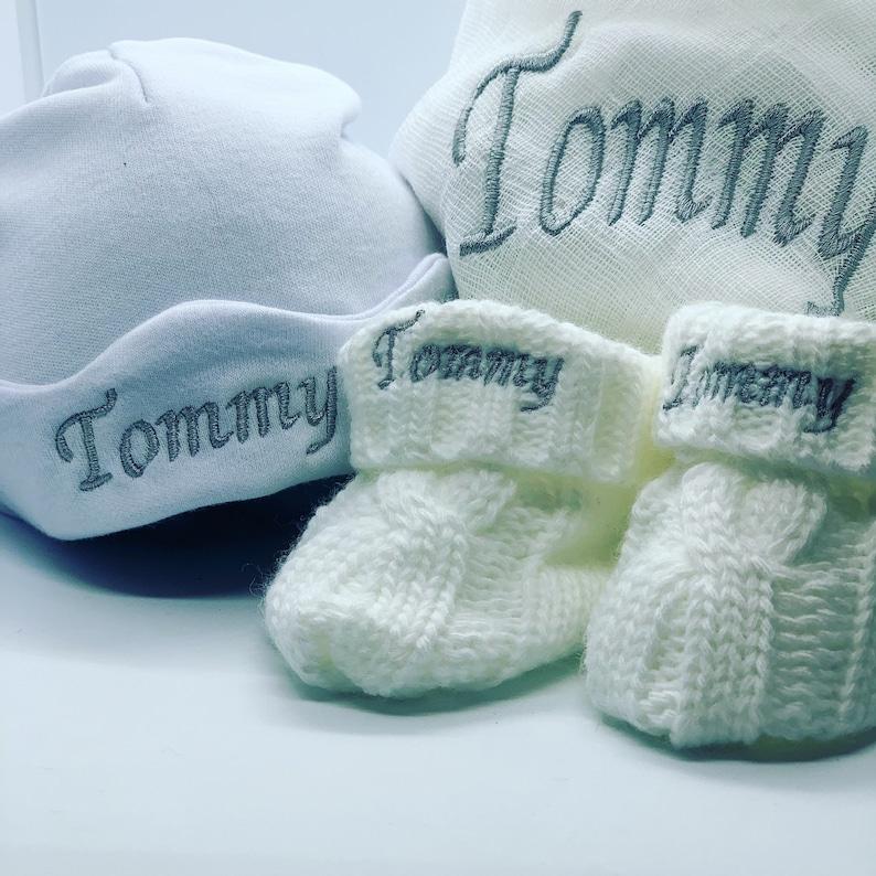 Newborn baby gift hamper