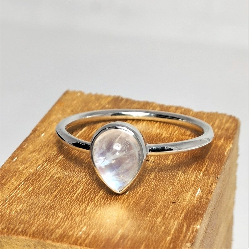 Rainbow Moonstone Ring-Round Moonstone Ring-Sterling Silver Ring-Handmade Ring-Dainty Ring-Rings For Women-Stackable Ring-Gift For Her
