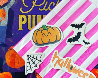 SPOOKY STICKER BUNDLE | scrapbooking | paper craft | Halloween themed small stickers