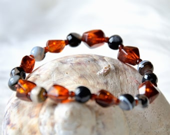 Genuine Baltic amber bracelet with polished agate, unique piece, gift for you, Christmas, amber beads, recycled, unique