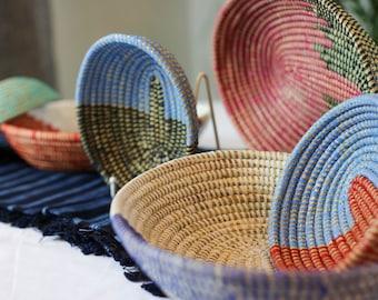 African Woven Seagrass Oval Fruit Bowel / Woven Catchall Bowel/ Decorative Woven Bowl/Wicker Basket/Wicker Catch-all Bowel