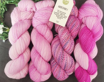 UNIKORN (1-4) sock wool made of virgin wool and 25% polyamide content hand dyed