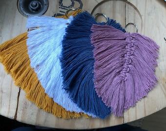 Macramé feather keychain