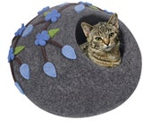 Cat Cave Bed Handmade Eco Friendly Natural Felted Merino Wool Warm and Cozy Beds for Cats and Kittens Bonus Felt Wool Ball (Grey, Flower)