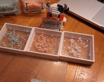 Stackable shakers for mini ironing beads from a.o. Artkal and Perler