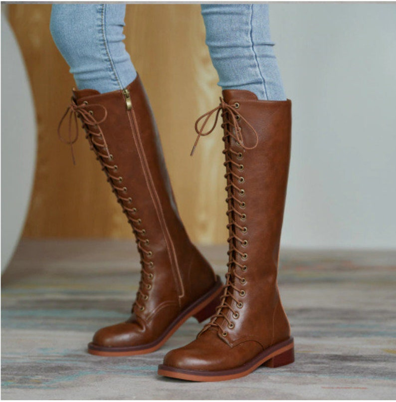 1920s Style Shoes, Heels, Boots     Stylish Womens Leather Lace up Knee High Boots $195.58 AT vintagedancer.com