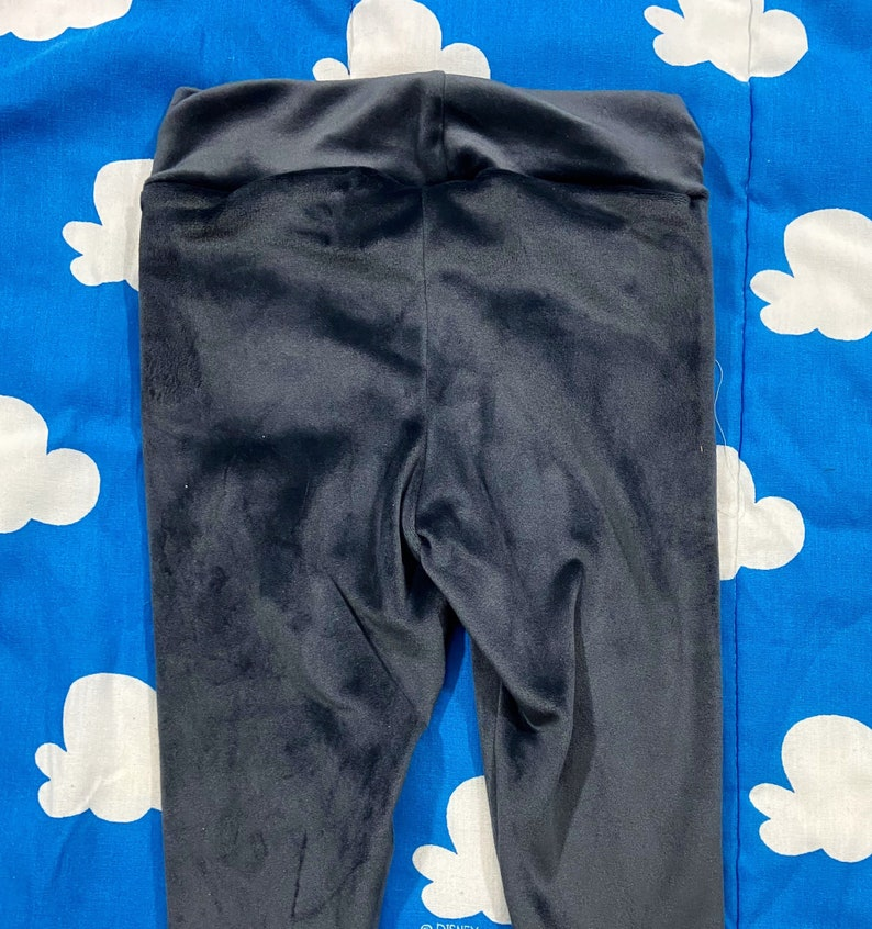 Super soft and cozy leggings size 12 months