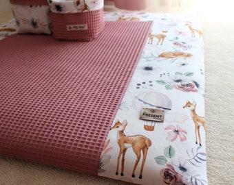 Wickelauflage mit wasserabweisender Matratze zum Herausnehmen Wickelunterlage Bezug Tiere Reh und Altrosa Waffelpique Babyerstausstattung