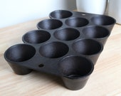 Vintage Unmarked Cast Iron Muffin Popover Baking Pan, circa 1930 39 s-40 39 s
