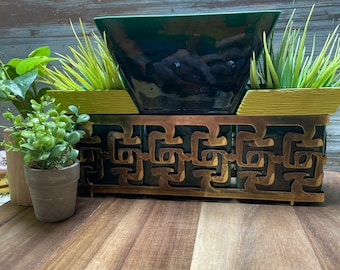 Vintage Miramar green and gold Asian motif tv lamp with planters