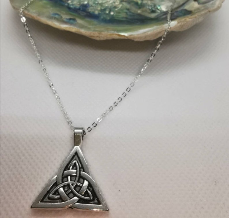 Scottish Celtic Knot Pendant and Silver Chain.