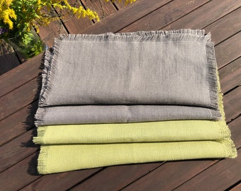 Linen napkin with natural edging
