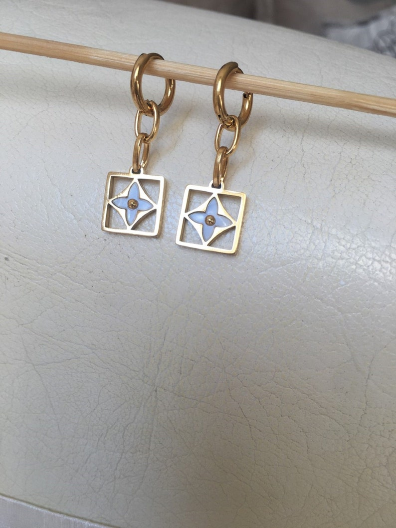 Stainless Steel Handmade Lv Logo earring Bestseller Clover Earring Love Earring LV earring Lv Hoop Earring