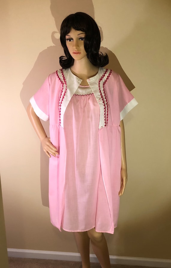 1940s nightgown and robe set