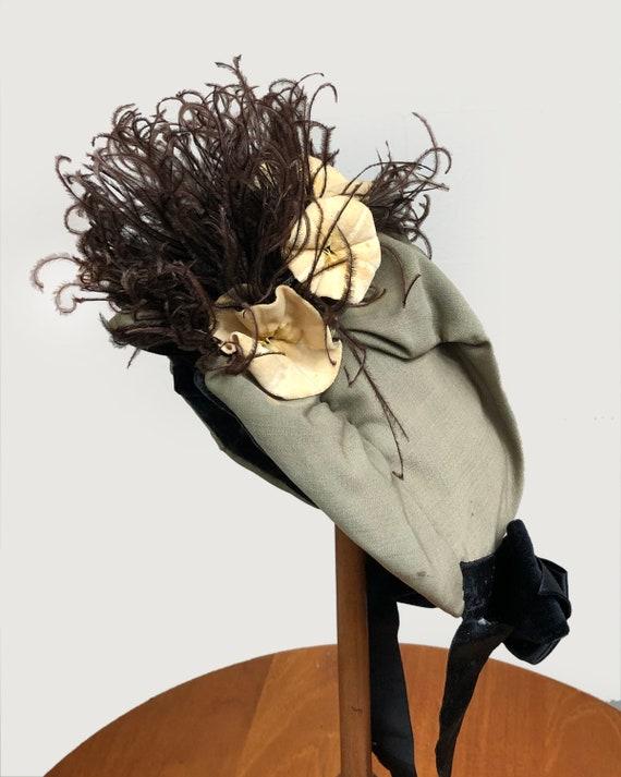 Antique Victorian Bonnet Ostrich Feather and Flow… - image 2