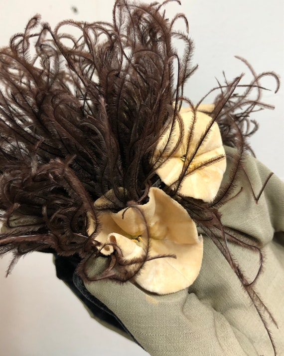Antique Victorian Bonnet Ostrich Feather and Flow… - image 3